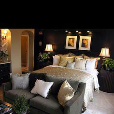 My favorite bedroom decor!!!!!!