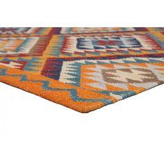 KELIM! Een prachtig Kelim van 100% wol. De Brainwash is geweven uit 100% hoogwaardige wol met als basiskleur oranje en design in de kleuren blauw, rood, bruin en ivoor. Een bijzonder mooi kleed als eye-catcher van je interieur.#vloerkledenloods #kelim #india #bohemian #carpet #rug #style #wol #wool #indian #native #etnic #colors