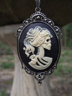 I love cameos and this one isn't quite my style but still beautiful in it's own right ;)