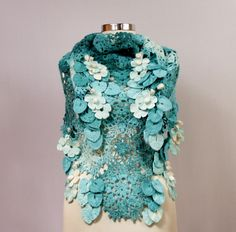 Blue Lagoon / Crochet Shawl Turquoise Teal Scarf Lace por lilithist