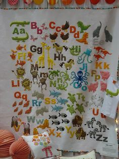 This is the cutest baby quilt I have ever seen!   http://www.favecraftsblog.com/wp-content/uploads/2011/11/animal-alphabet-dont-look-now.jpg