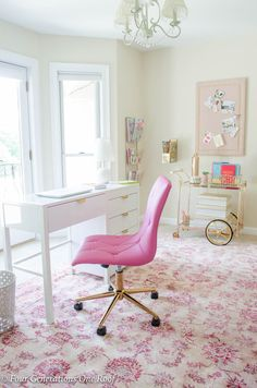 Sophisticated Adult Pink Gold Office Workspace with white desk pink chair pink rug and gold bar cart - Office Chair - Ideas of Office chair Pink Gold Office, White Office, Pink And Gold, Home Office Design, Home Office Decor, Office Designs, Long Chair, Bar Chairs, Pink Chairs