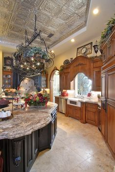 Luxury Country Home Decor Ideas 30 - Home Design Inspiration Beautiful Kitchens, French Country House, House Design, Mediterranean Home, Italian Kitchen Design, Tuscan Decorating, Country Kitchen, Tuscan Design, French Country Kitchens