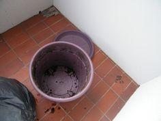 Composteur de balcon, sans vers! Faire Son Compost, Go Green, Permaculture, Planters, Tableware, Bio, Patience, Gardening, House