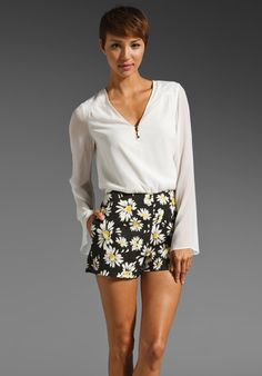 DV by DOLCE VITA Carlton Bell Sleeve Blouse in Daisy Print Combo at Revolve Clothing - Free Shipping!