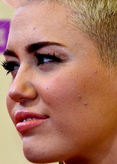 Myley Cyrus unretouched close up