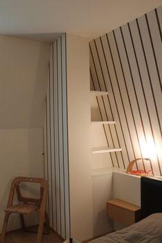 Appartamento Foppolo - particolare camera da letto - libreria, armadio e carta da parati Wall&Decò