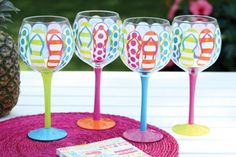 gift idea for ocean city = ) Flip Flop Hand Painted Wine Glasses Decorated Wine Glasses, Hand Painted Wine Glasses, Painted Wine Bottles, Decorated Bottles, Glass Bottles, Glass Painting Designs, Wine Glass Crafts, Wine Bottle Crafts, Jar Crafts