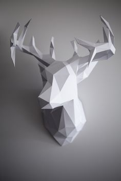 DIY Paper Reindeer Head (Just in time for Christmas!) DIY Paper Reindeer Head (Just in time for Christmas! Origami 3d, Origami Paper, Oragami, 3d Paper Crafts, Diy And Crafts, 3d Templates, Reindeer Head, Paper Animals, Diy Papier