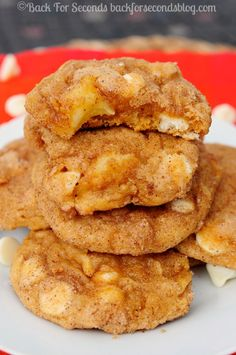 White Chocolate Pumpkin Apple Snickerdoodles - Apple Pumpkin Snickerdoodles - Perfectly soft and chewy! #pumpkin #apple #falldessert