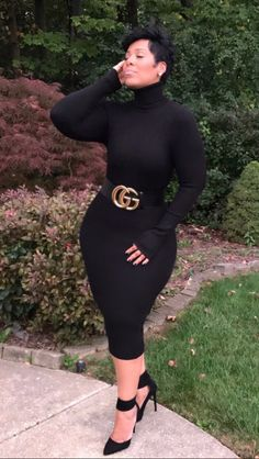 black women curves n combatboots Curvy Girl Fashion, Black Women Fashion, Look Fashion, Plus Size Fashion, Autumn Fashion, Womens Fashion, Pear Shape Fashion, Fit Black Women, Curvy Outfits