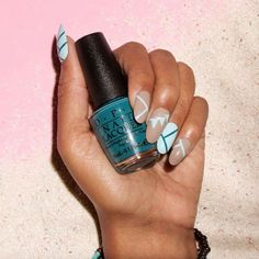 You never see the same lines and shapes on this mani, which is exactly what makes it so pin-worthy. No rules, no stress, and so dope.