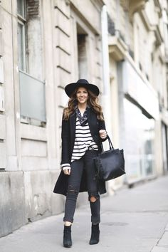 Trendy Taste – Stripe it! Striped top+black ripped jeans+black booties+bandana+black tote bag+black coat+black hat. Winter outfit 2016