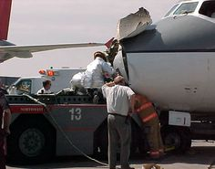 northwest airlines dc9 collides with tug