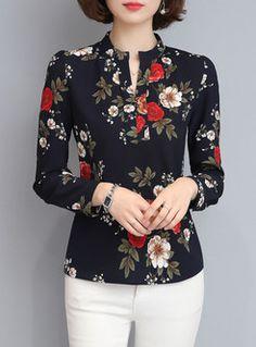 Brief Print V-neck Long Sleeve Blouse - Blusas - Pins Für Deutsche Urban Outfits, Mode Outfits, School Outfits, Blouse Styles, Blouse Designs, Mode Pop, Mode Online, Blouse Online, Shirts Online