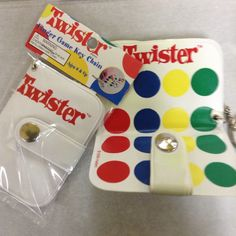 Super cool Twister keychains! Play with your fingers!