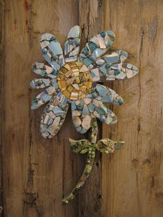 Mosaic daisy in blue by Kansas City mosaic artist Kelly Aaron, mosaic art.