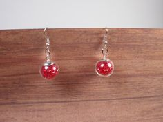 Pendientes de cristal rojo. Red glass earrings.