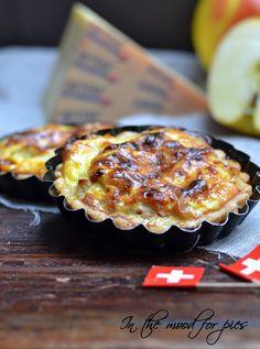 Mini quiche al Gruyère dop e mele