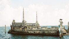 Vizcaya: A Estate in the Miami Subtropics Honeymoon Spots, Romantic Honeymoon, Tuscany, Wedding Blog, Statue Of Liberty, Paris Skyline, Miami, Africa, Italy
