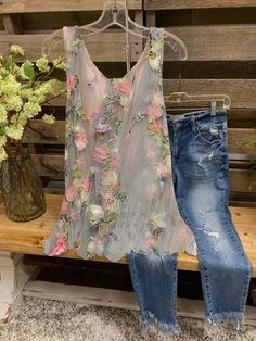 Boho Fashion, Vintage Fashion, Fashion Outfits, Fashion Shirts, Style Fashion, Bohemian Mode, Vintage Mode, Vintage Style, Couture