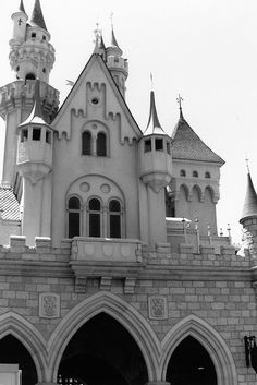 Classic Sleeping Beauty Castle photo in black-and-white. Photo by Disneyland California Adventure, Tokyo Disneyland, Disneyland Resort, Old Disney, Disney Love, Disney Magic, Disney Parks, Walt Disney World, Sleeping Beauty Castle