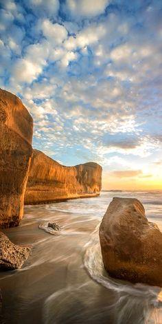 Sunrise at Tunnel Beach, Dunedin, New Zealand