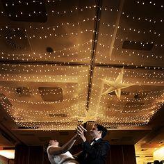 Bailar bajo un manto de estrellas el día de tu boda❤️❤️❤️ no tiene precio #estrellademar #numa_shop #inspiraciondeco #inspiracionbodas #bodas #bodamarinera #wedding #estrella #iluminacion #iluminacioneventos #starfish #star #style #deco #decor #design #detalles #decoracion #diseñosunicos #cosasbonitas #marcaladiferencia #mejordiadetuvida #sefeliz