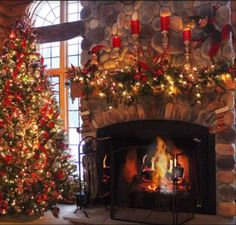 35 best Christmas Fireplaces images on Pinterest   Christmas Decor ...