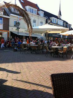 Zevenaar heeft zijn eigen Via Gladiola op de Markt tijdens de laatste dag van de Avondvierdaagse in Zevenaar op donderdag 24 mei 2012. #AVD7aar