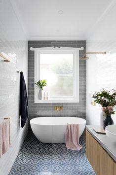 ideas for bathroom tub shower combo wet rooms Bathroom Tub Shower, Tub Shower Combo, Bathroom Renos, Bathroom Layout, Modern Bathroom Design, Bathroom Interior Design, Bathroom Renovations, Laundry In Bathroom, Bath Tub