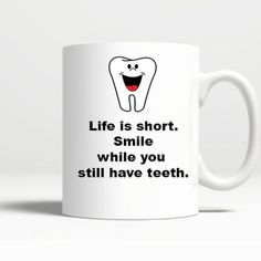Funny-Novelty-Life-is-Short-Smile-11-OZ-Coffee-Birthday-Handmade-Gift