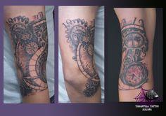 #tatuaje realizado por @iciarorozco en #tarantulatattoo de #Málaga con temática #biomecánica #biomechanical de piezas de #reloj #watch en el brazo, en #sombras #shadows #Málagatattoo #Málagatatuaje #tatuajesmalaga #iciarorozco #ink #arte