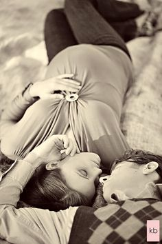 Danielle Maternity Shoot | Kate Benson Photography