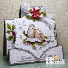 Met de hand gemaakte embossing kaarten en cadeau-doosjes. Company Christmas Cards, Create Christmas Cards, Christmas Stickers, Christmas Tag, Handmade Christmas, 3d Cards, Xmas Cards, Holiday Cards, Handmade Birthday Cards