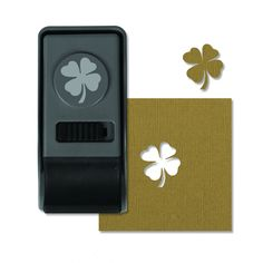 Sizzix - Tim Holtz - Alterations Collection - Paper Punch - Clover, Medium at Scrapbook.com