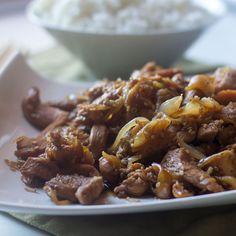 Pollo teriyaki. Receta japonesa con Thermomix El pollo teriyaki es uno de los platos japoneses más conocidos en occidente junto con el sushi. Para hacer el pollo teriyaki podemos comprar directamente