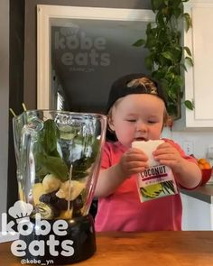 Cute Funny Baby Videos, Cute Funny Babies, Super Funny Videos, Funny Baby Memes, Funny Videos For Kids, Funny Cute, Cute Kids, Coconut Smoothie, Chubby Babies