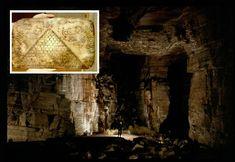 Die Höhle ist aus massiven Steinblöcken hergestellt worden, die scheinbar mit irgendeiner Art fortgeschrittener Maschinentechnologie vor zehntausenden von Jahren herausgeschnitten wurden. Sie weist…