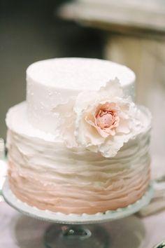 Cake: Melanie Secciani | Photography: Alessio Quartaroli & Marta Puglia
