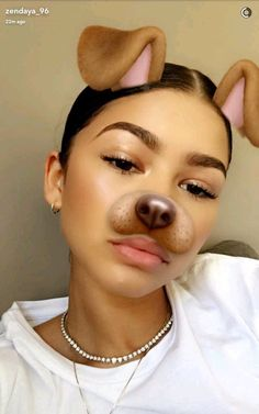 zendaya is so pretty Beauty Makeup, Hair Makeup, Hair Beauty, Full Makeup, Zendaya Snapchat, Snapchat Girls, Zendaya Makeup, Zendaya Eyebrows, Zendaya Style