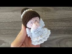 Angelo Uncinetto Amigurumi 👼🏻 Tutorial Natale 🤍 Angel Crochet Christmas - Angelito Crochet - YouTube Amigurumi Tutorial, Holiday Crochet, Christmas Holidays, Crochet Hats, Video, Youtube, Angels, Diy And Crafts, Ganchillo