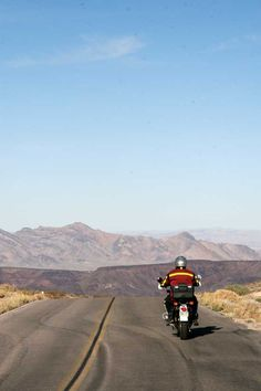 Airheads Unite: The Airheads Beemer Club's Death Valley Rendezvous - Classic Motorcycle Touring - Motorcycle Classics