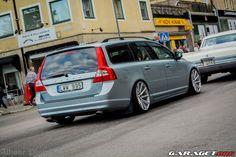 garage | Volvo V70 2.5T II (2008)