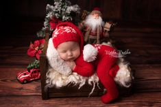 Newborn Baby Photos, Baby Boy Photos, Cute Baby Pictures, Newborn Photo Props, Newborn Pictures, Babies First Christmas, Christmas Baby, Newborn Christmas Pictures, Baby Boy Photography
