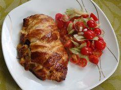 Monia miesza i gotuje: Kurczak nadziewany pieczarkami zapiekany w cieście francuskim