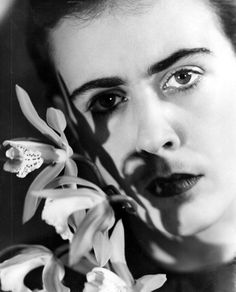 Besnyö, Eva: Narda Fleming with Orchid