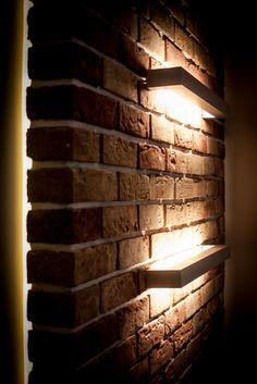Nowoczesne wykończenie ścian w salonie pomysł na oświetlenie wnętrza pokoju