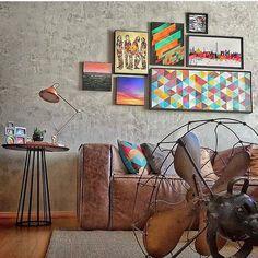 Clientes de bom gosto, artistas nos proporcionando acervo  com muita opção e consultores atentos e mto bem treinados, o resultado está aí! Projetos cada vez mais elaborados e coloridos para a sua casa! Na foto a casa de mais um cliente feliz! #orgulho ❤️ #arqexpress #projetogratis