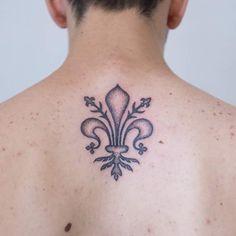 #Giglio #Firenze #gigliofiorentino #Tattoo #GiglioTattoo #DotworkTattoo #DotWork